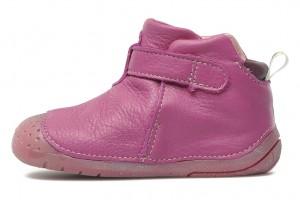 Chaussures de qualité pour bébés marchant à 4 pattes. Dessus et doublure cuir - semelle élastomère. Modèle ayant reçu le label Approuvé par les Familles