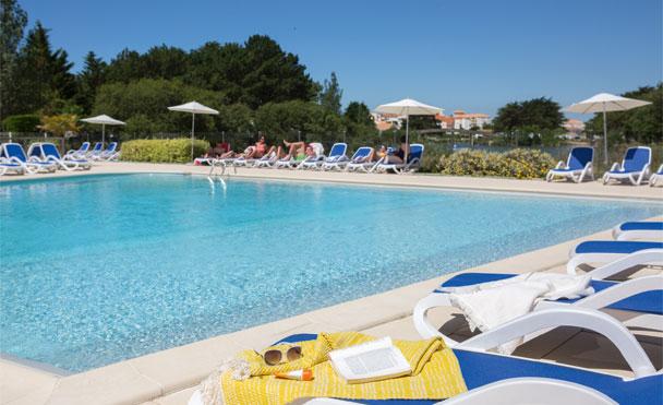Nos vacances d 39 t blog blog y 39 a quelqu 39 un for Club piscine catalogue
